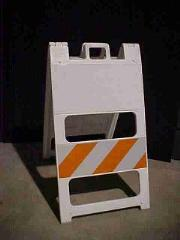 TYPE 2 BARRICADE W/MAGNETIC WHITE BASE - P/N 100WMCB8EG